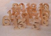 Numeri segnatavolo in legno