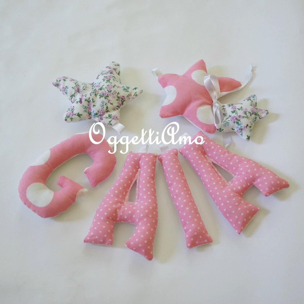 Gaia: una ghirlanda di lettere rosa e lilla per decorare la sua cameretta!
