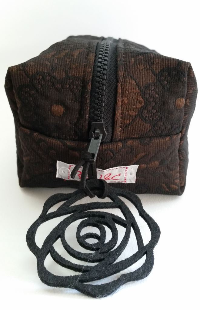 Boxie Pouch nera-marrone