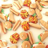 Dalla serie STREET FOOD - Lotto OFFERTA STOCK 10  CIONDOLI FIMO - hamburger patatine panini
