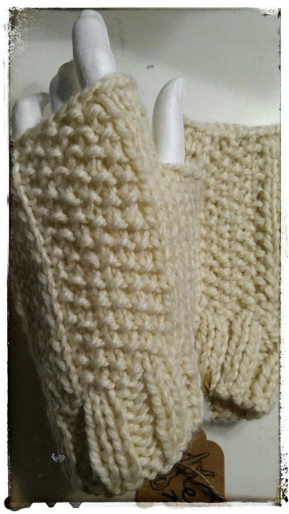 Mezzi guanti in lana  da donna lavorazione maglia ai ferri
