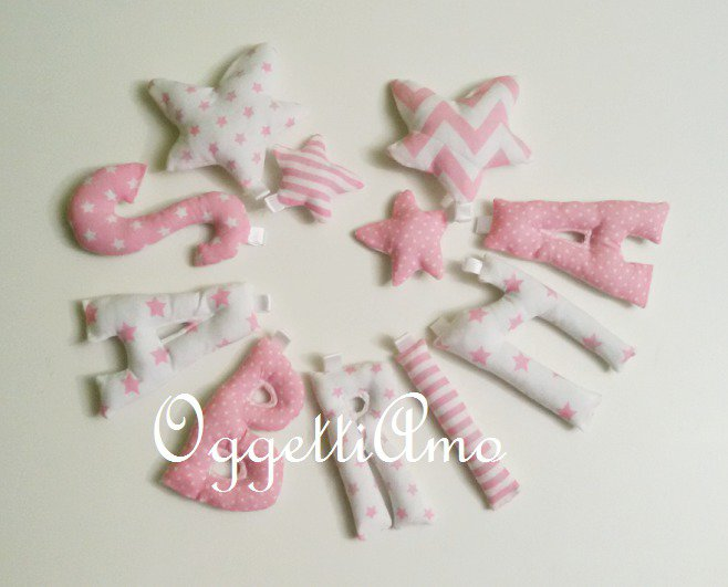 SABRINA: una ghirlanda di lettere in stoffa rosa da regalare ad una neomamma!