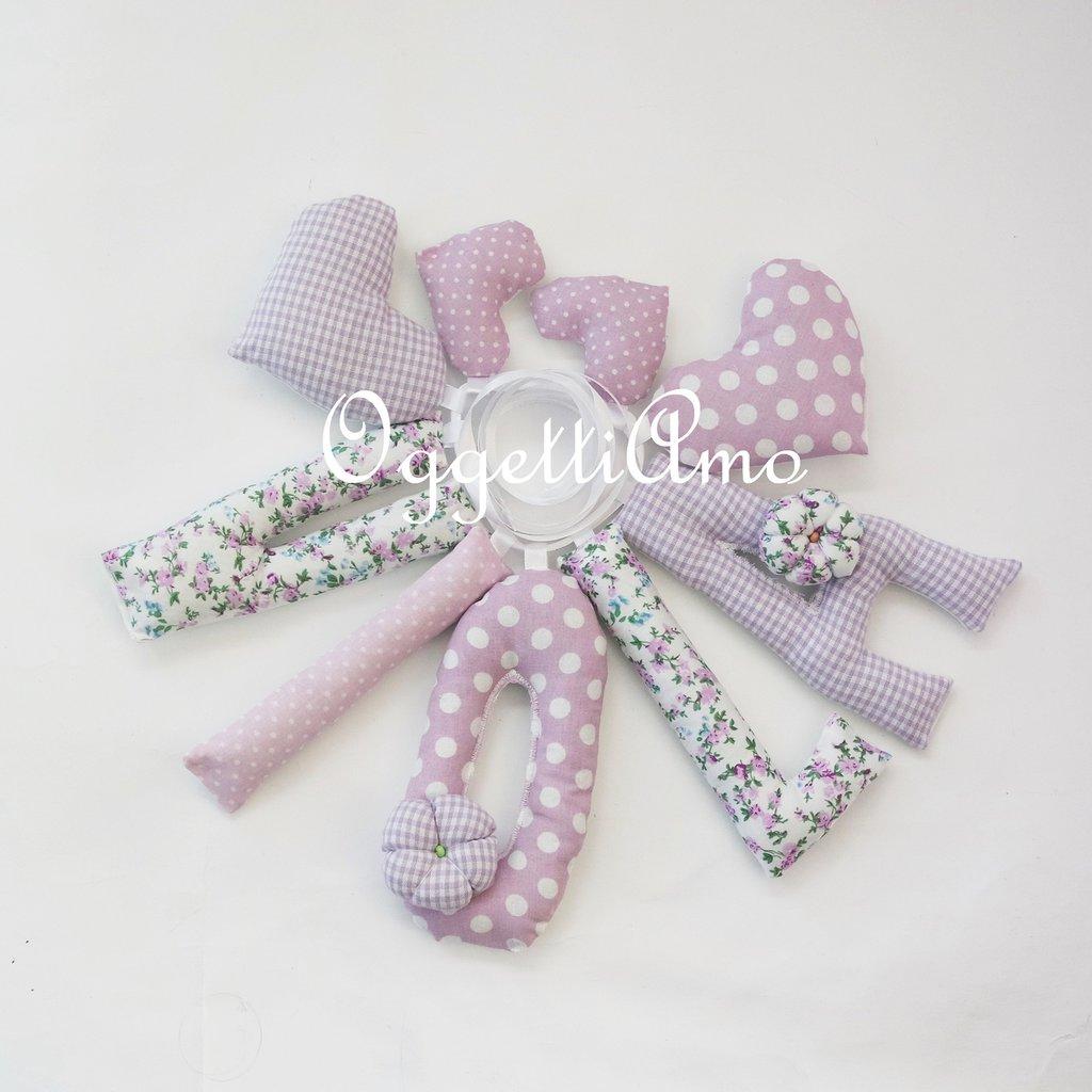 VIOLA: lettere di stoffa lilla per comporre il suo nome!