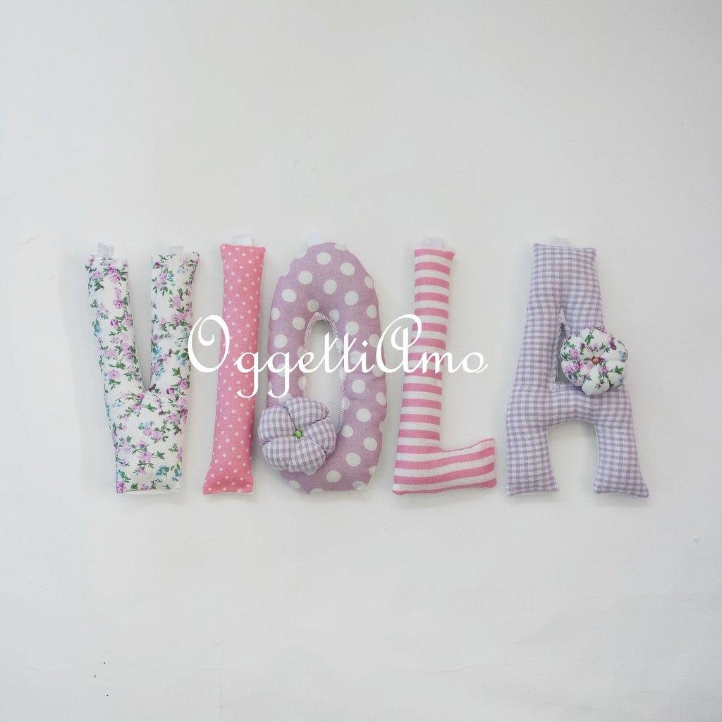 VIOLA: una ghirlanda di lettere lilla e rosa per decorare la sua cameretta