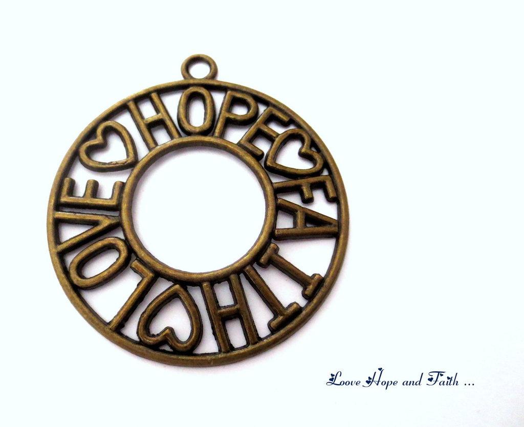 """Charm ciondolo """"LoveHopeFaith"""" color bronzo (65x58mm) (cod.000)"""
