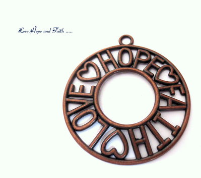 "Charm ciondolo ""LoveHopeFaith"" color rame (65x58mm) (cod.000)"