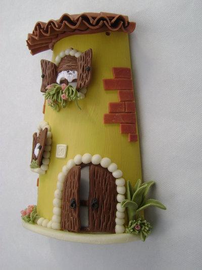 Casa su tegola con particolari in pasta di mais per la - Lavori in casa forum ...