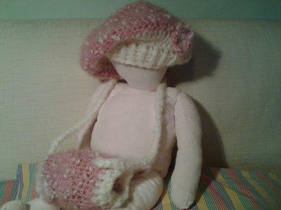 Cappellino e scaldamani per bambina