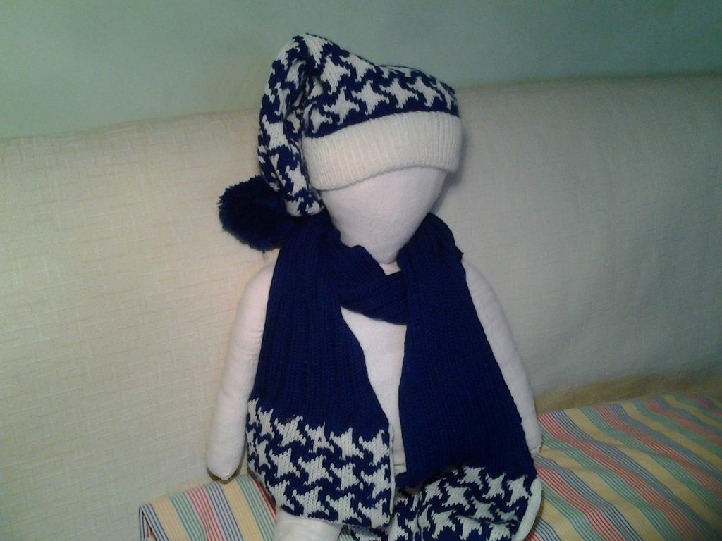 Cappellino e sciarpa