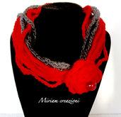 Collana/Scaldacollo rossa con fiore e perla