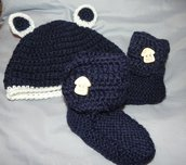 Stivaletti e cappellino bebè blu e panna    lana stile Ugg da 1 a 4 mesi