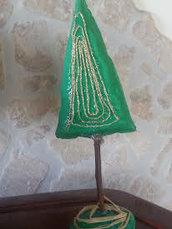 alberello natalizio artigianale in carta pesta