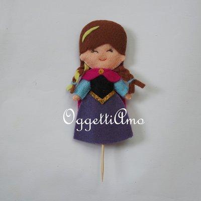 Cake topper in feltro per la vostra festa a tema Frozen: Anna o Elsa? Qual'è la vostra preferita?