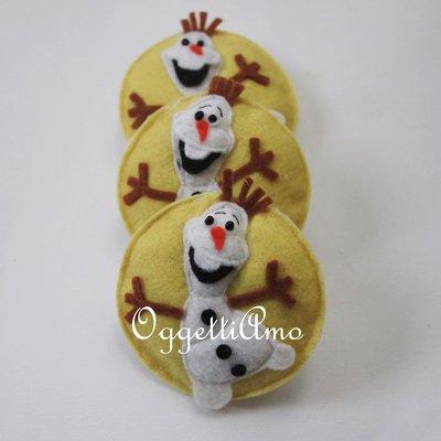 Spilla come gadget per la tua festa a tema Frozen (versione Olaf)