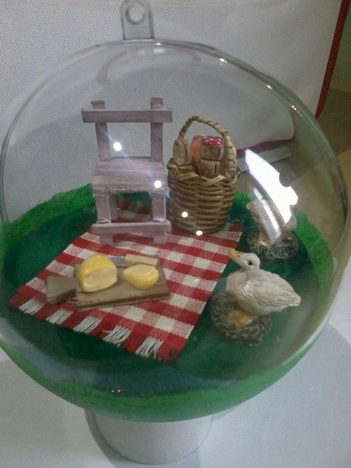 sfera con miniature