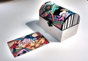 Scatola portaoggetti in legno dipinta a mano, disponibile in vari modelli e misure