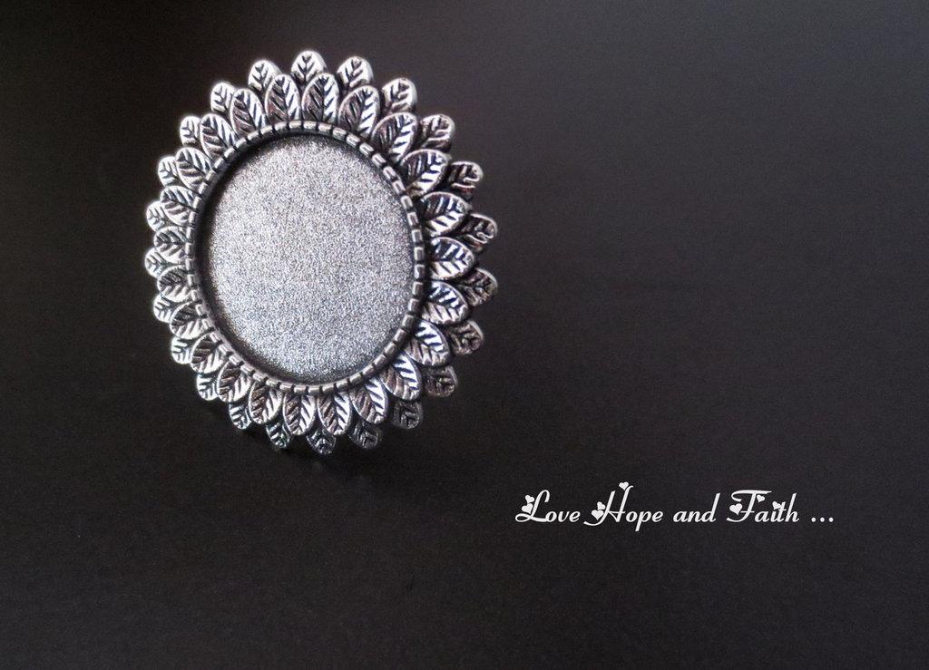 NOVITA'! Base anello color argento con piastra (rcod.2040)