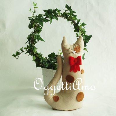 Un gatto di stoffa come fermaporta: gatti, gufi o civette come idea regalo per i tuoi cari!