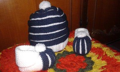 Scarpine di lana più berretto neonato lavorati a mano