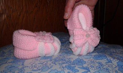 Scarpine di lana neonata lavorate a mano