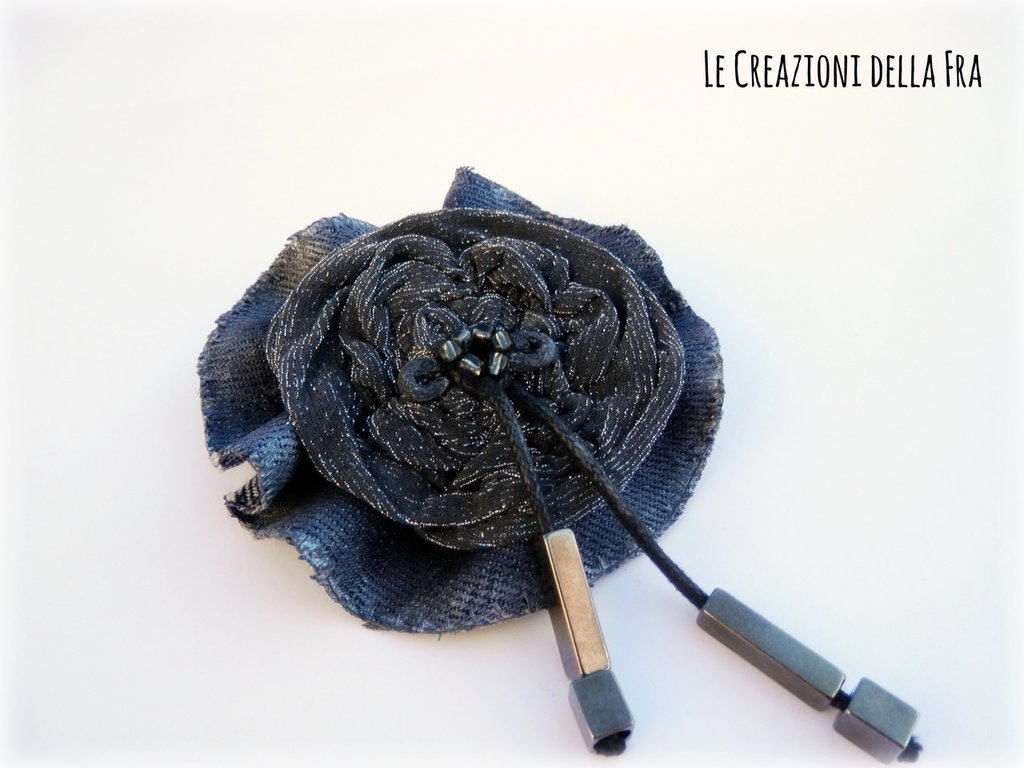 Spilla fiore - denim e grigio lurex