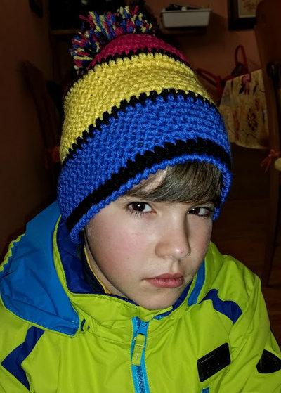 cappello fatto a mano; colori neon ,unisex