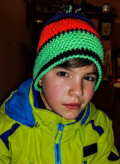 cappello style unisex fatto all'uncinetto,colori neon