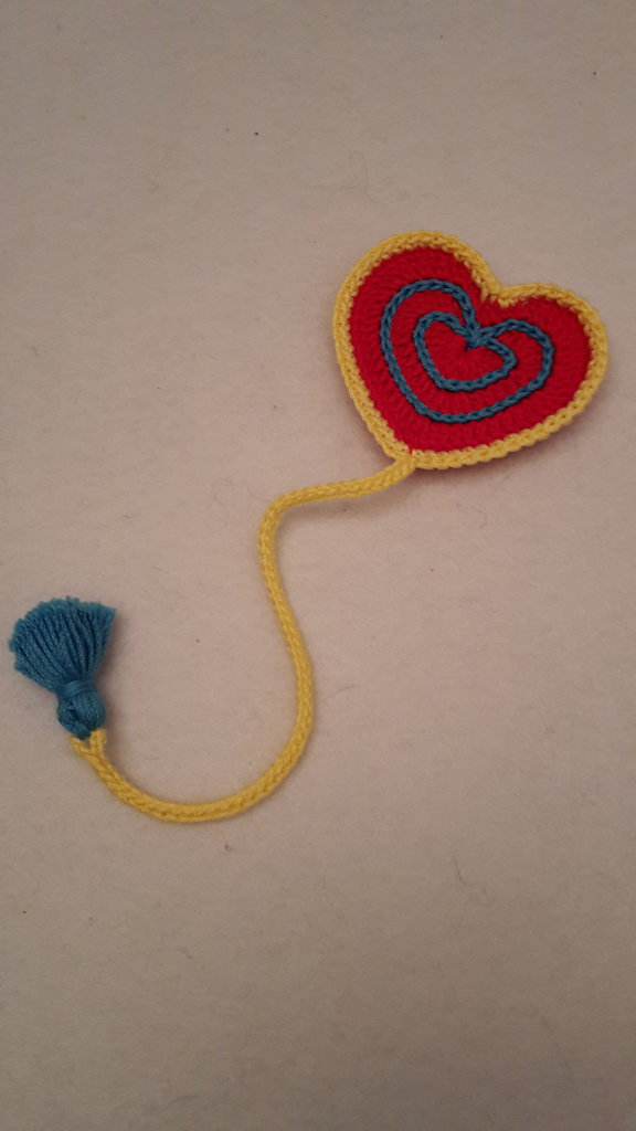 segnalibro cuore colorato