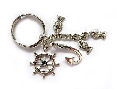 Portachiavi uomo in metallo argento Nautico con timone uncino amo e pesci