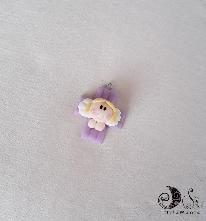 Bomboniere Ciondoli croce con angioletto lilla per comunione