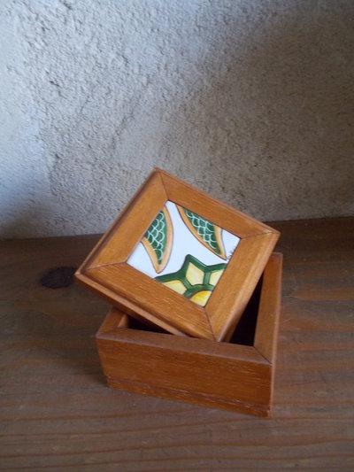 cofanetto legno e ceramica