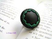 Anello nero e verde smeraldo