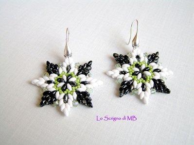 Orecchini in Tessitura Bianco Nero e Verde