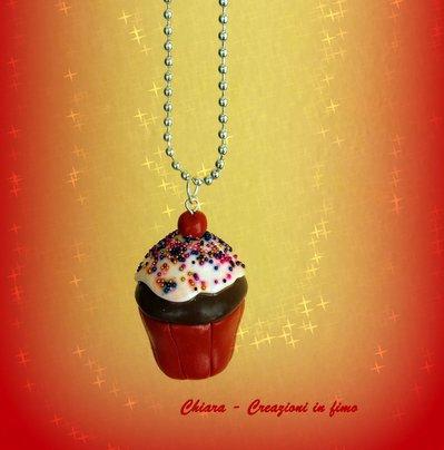 Collana con ciondolo in fimo cupcake handmade dolcetti in fimo idee regalo donna idea regalo natale bomboniere compleanno