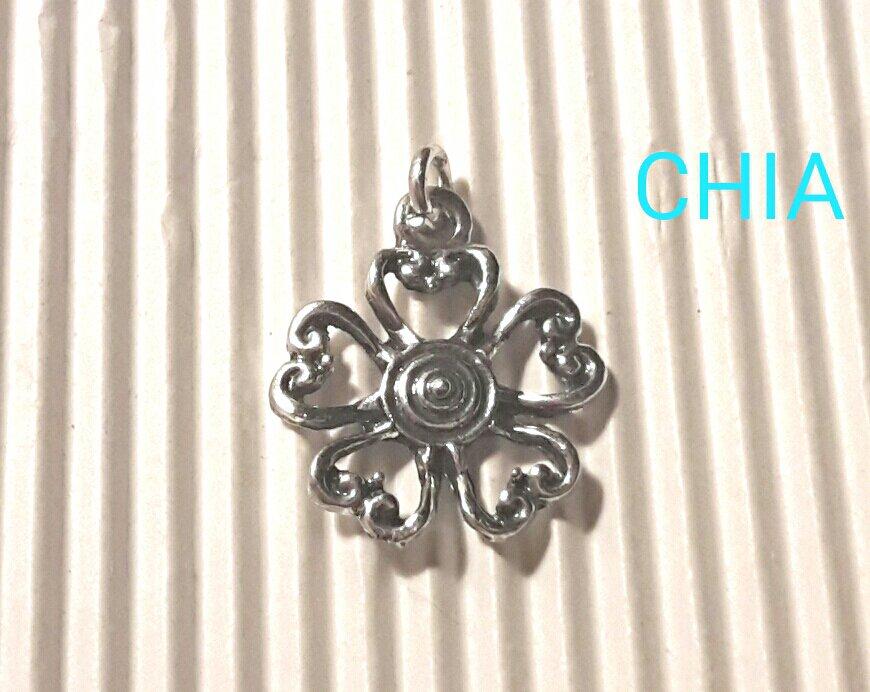 5 charms fiore lavorato 22x19mm