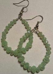 Orecchini a goccia con cristalli verde menta chiaro