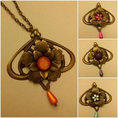 Collana bronzo con ciondolo a forma di fiore