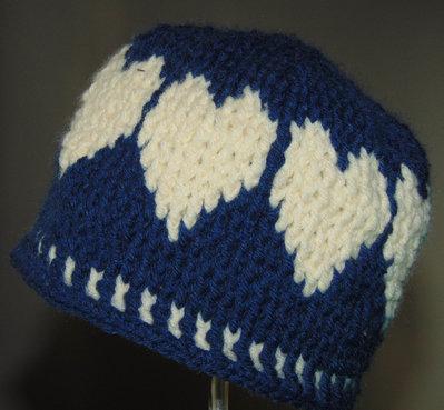 cappellino bimba con cuori