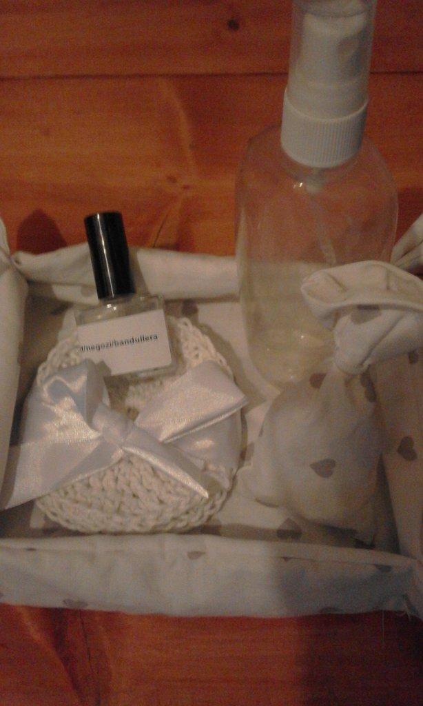 contenitore cestino + sacchetto profumato