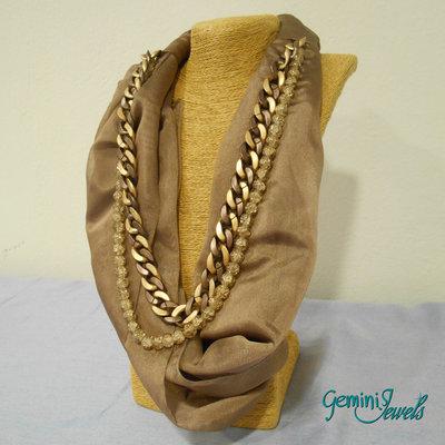 """Collana """"foulard gioiello"""" con tessuto e perle"""