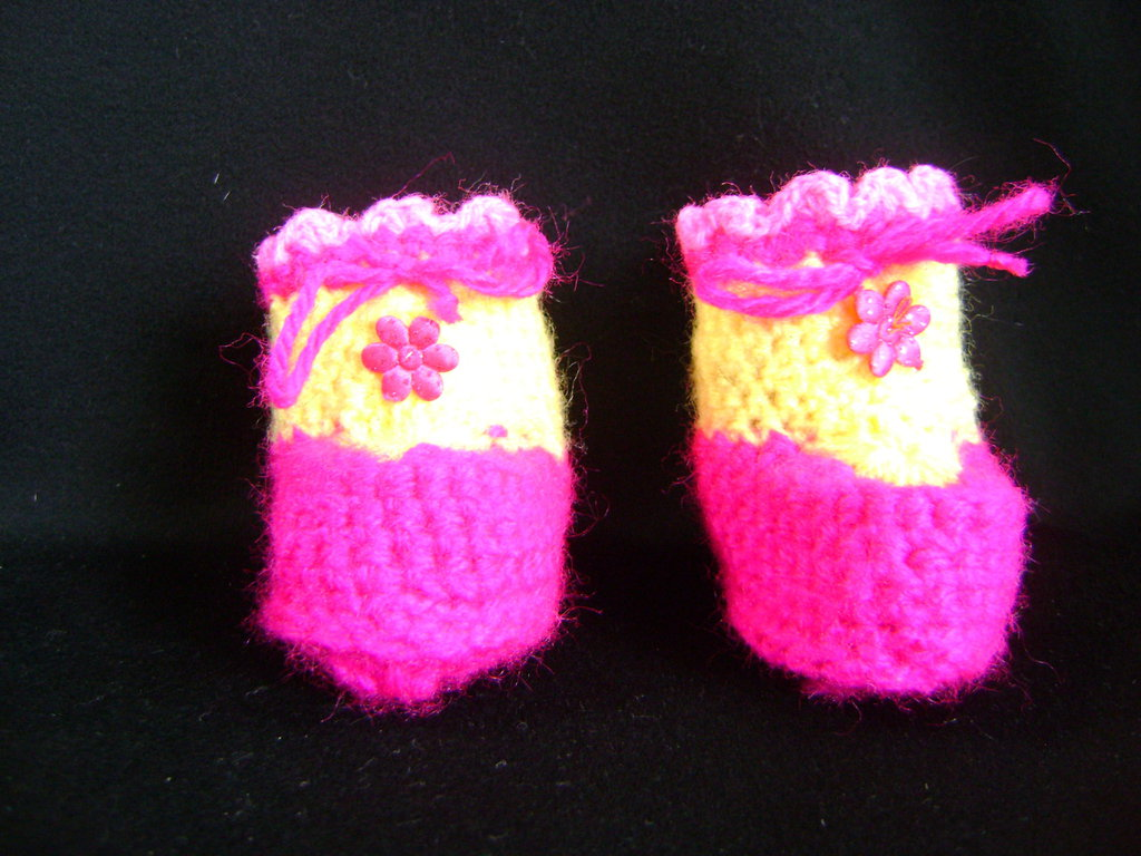 Scarpe fatte ad uncinetto
