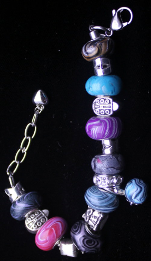 Bracelet with handmade beads