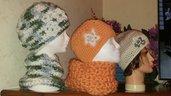 Cappelli vari colori con fiori