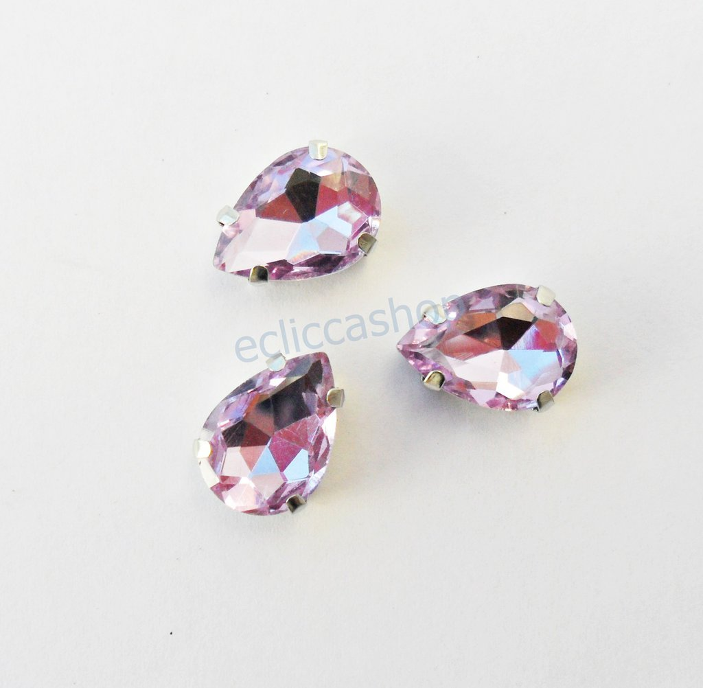 Pietra a goccia in cristallo colore ametista. Castone in metallo nikel free 1pz