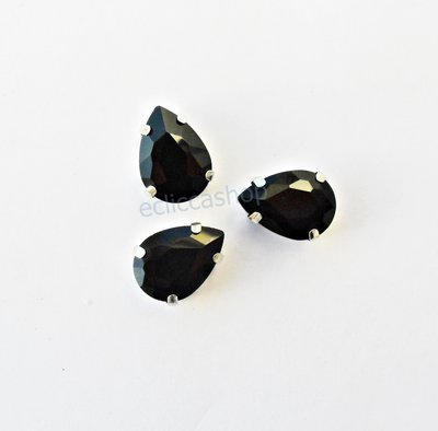 Pietra a goccia in cristallo colore nero.Castone in metallo nikel free 1pz