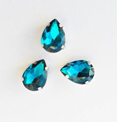 Pietra a goccia in cristallo colore blu oltremare. Castone in metallo nikel free 1pz