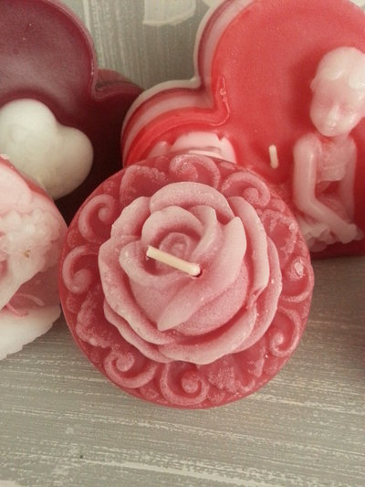 Candela profumata San Valentino - MedaglioneRosa