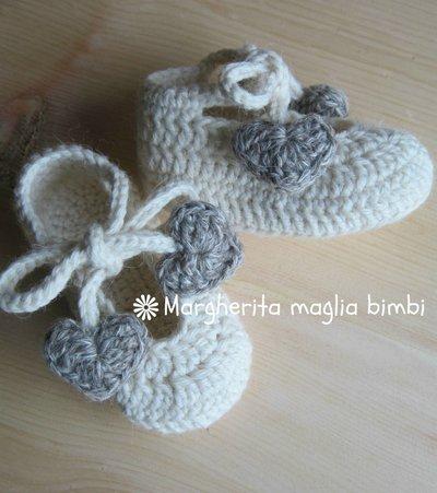 Scarpine ballerine con laccetti e cuori in pura lana e alpaca
