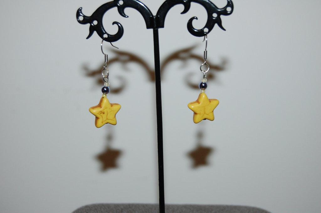 orecchini a stella gialli