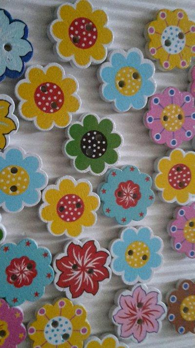 10 bottoni legno fiori 20mm diametro forme assortite